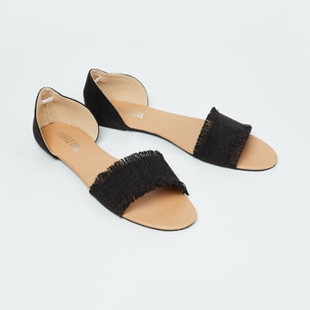 TRUFFLE COLLECTION Patterned Weave Flat Sandals