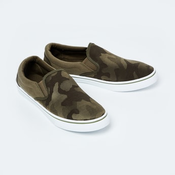 FAME FOREVER Camouflage Texture Slip-On Shoes