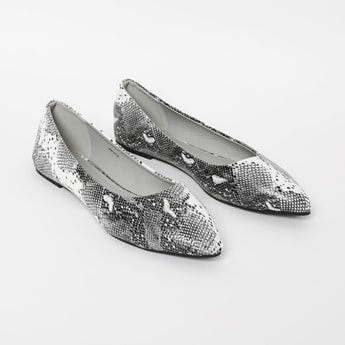GINGER Textured Ballerina Flats