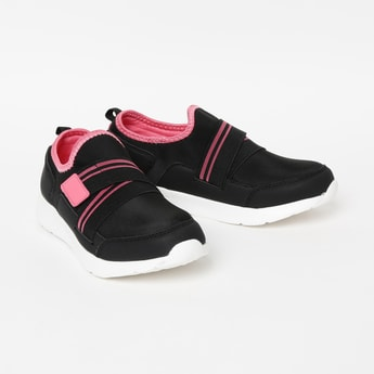 FAME FOREVER Colourblocked Slip-On Shoes