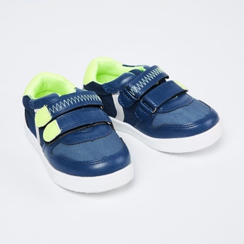 FAME FOREVER Textured Casual Shoes with Velcro Closure