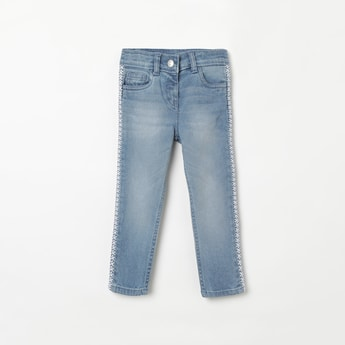 JUNIORS Mid-Washed Jeans with Embroidery