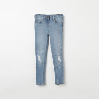 FAME FOREVER YOUNG Beaded Mid-Washed Distressed Jeans