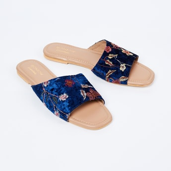 MONROW Floral Embroidered Flat Sandals