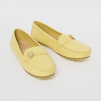 ALLEN SOLLY Textured Penny Loafers with Floral Applique