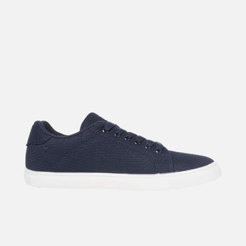UNITED COLORS OF BENETTON Men Textured Low-Top Casual Shoes