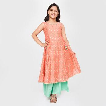 GLOBAL DESI Girls Floral Embroidery Sleeveless Flared Kurta