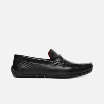 V8 by RUOSH Men Genuine Leather Textured Bit Loafers