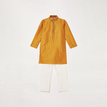 MANYAVAR Textured Kurta with Solid Elasticated Pyjama