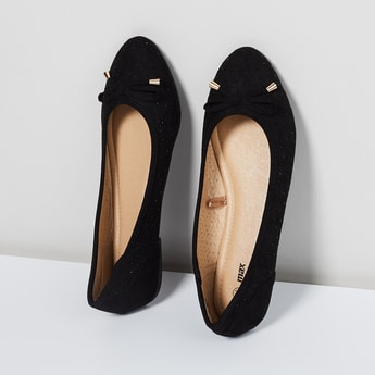 MAX Studded Ballerinas with Laser Cutouts