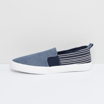 MAX Striped Casual Slip-on Shoes