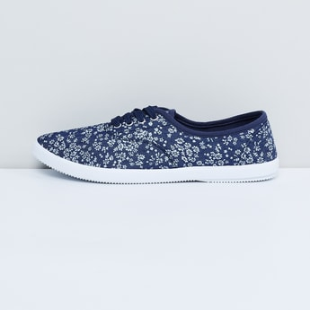 MAX Printed Lace-Up Shoes