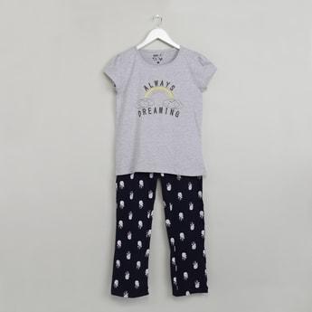 MAX Graphic Print T-shirt & Pyjamas Sleepwear Set