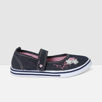 MAX Appliqued Velcro Strap Casual Shoes