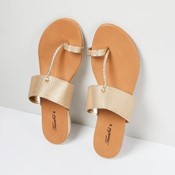 MAX Chevron Pattern Toe-Ring Flat Sandals
