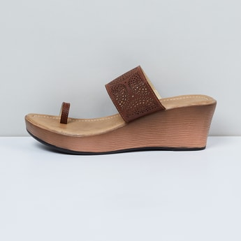 MAX Laser Cut Toe-Ring Wedges