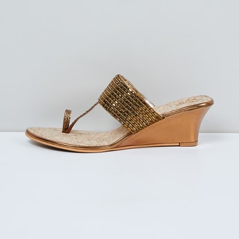 MAX Beaded Toe-Ring Wedges
