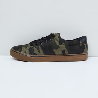 MAX Camouflage Print Sneakers