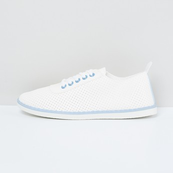 MAX Perforated Low-Up Casual Shoes