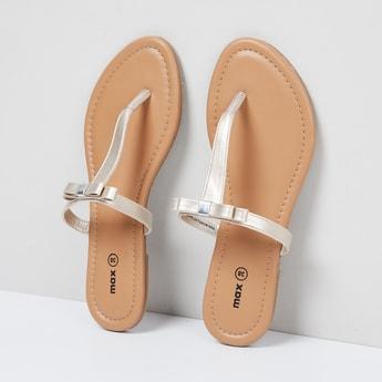 MAX T-strap Flat Sandals