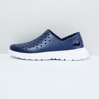 MAX Slip-On Casual Shoes with Cutouts