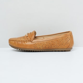 MAX Laser-Cut Detail Slip-On Shoes