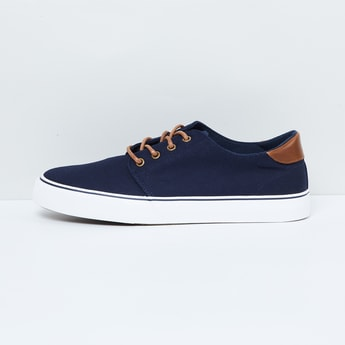 MAX Solid Low-Rise Sneakers