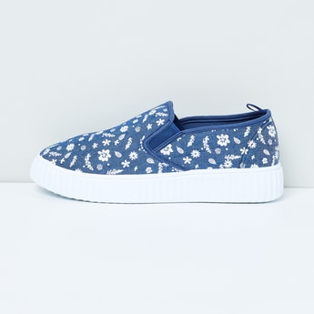 MAX Printed Slip-On Casual Shoes