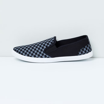 MAX Checked Slip-On Casual Shoes
