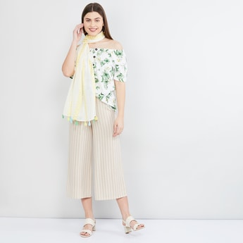MAX Striped Stole with Tassel Detailing