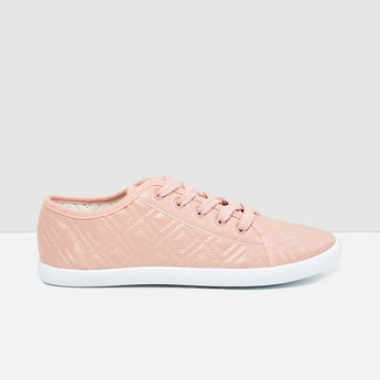 MAX Quilted Lace-up Casual Shoes