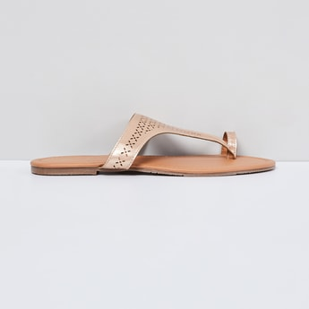 MAX Laser-Cut Toe-Ring Flat Sandals