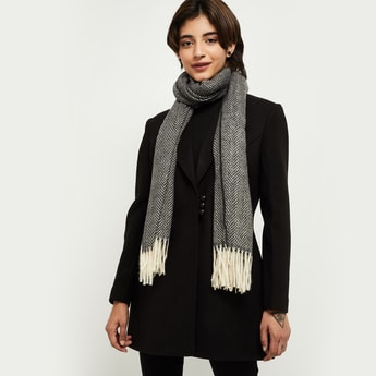 MAX Textured Tassel Detailed Muffler