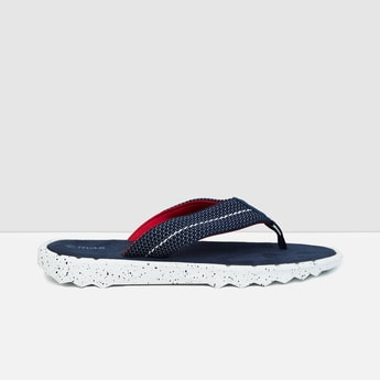 MAX Textured V-strap Slippers