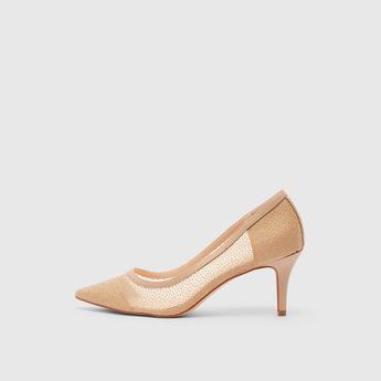 حذاء سهل الارتداء مزيّن بمقدّمة مدبّبة