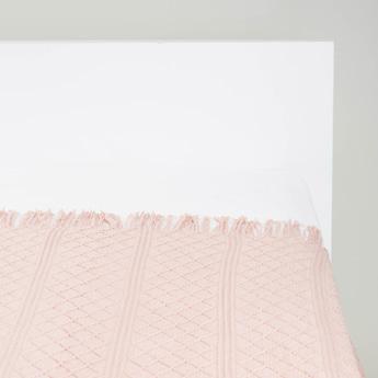 بطانية خفيفة متعدّدة التصاميم بشرّابات - 152x127 سم