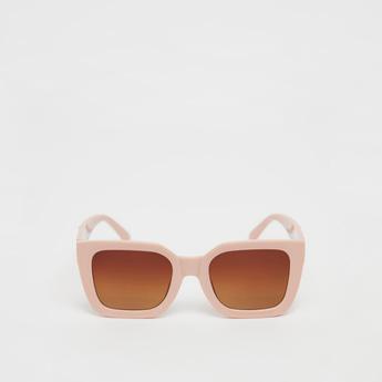 نظارات شمسية ملونة
