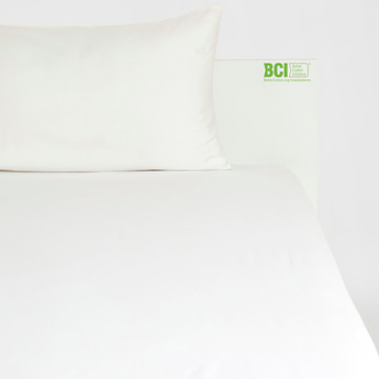 Solid Queen Size Fitted Sheet with Elasticated Hem - 200x150 cms