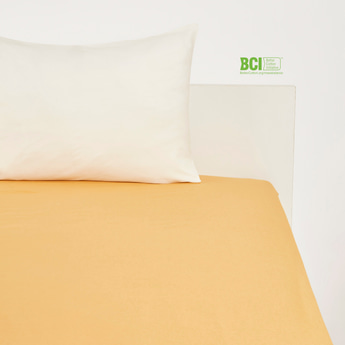 Solid Queen Size Fitted Sheet - 200x150 cms