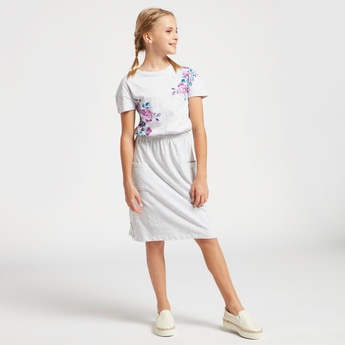 Floral Placement Print Dress with Round Neck and Short Sleeves