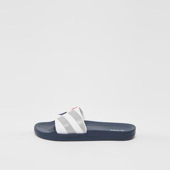 حذاء خفيف سادة بأشرطة بطبعات مخططة