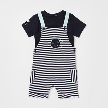 Solid Short Sleeves T-shirt with Striped Dungaree Set