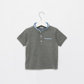 Solid Henley Neck T-shirt with Short Sleeves and Pocket