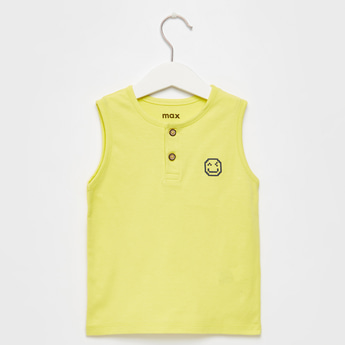 Graphic Print Sleeveless T-shirt with Henley Neck