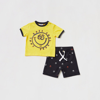 Graphic Print T-shirt with Pocket Detail Shorts