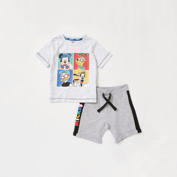 Mickey Mouse Print Round Neck T-shirt and Shorts Set