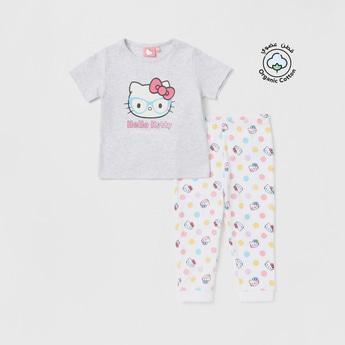 Hello Kitty Graphic Print T-shirt and All-Over Print Pyjama Set