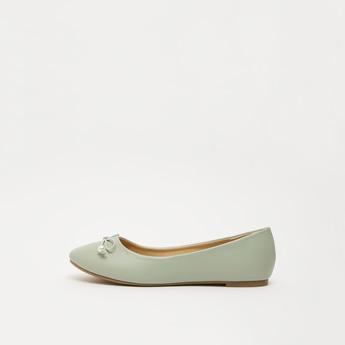 حذاء باليرينا سادة بزخرفة فيونكة