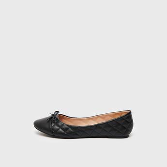 حذاء باليرينا مبطن سهل الارتداء بزينة فيونكة