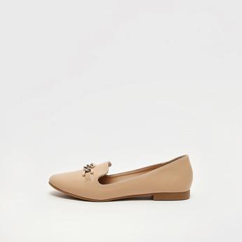 حذاء باليرينا سادة سهل الارتداء بتفاصيل سلسلة